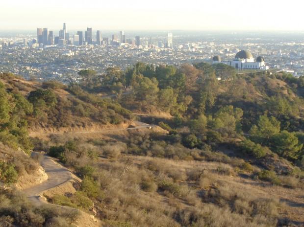 Los Angeles, ao fundo, vista a partir do parque Griffith; cidade é um dos três maiores portões de entrada para turistas do Brasil Foto Silvio Cioffi/Folhapress