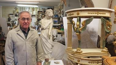 O restaurador e escultor Vincenzo Piovano